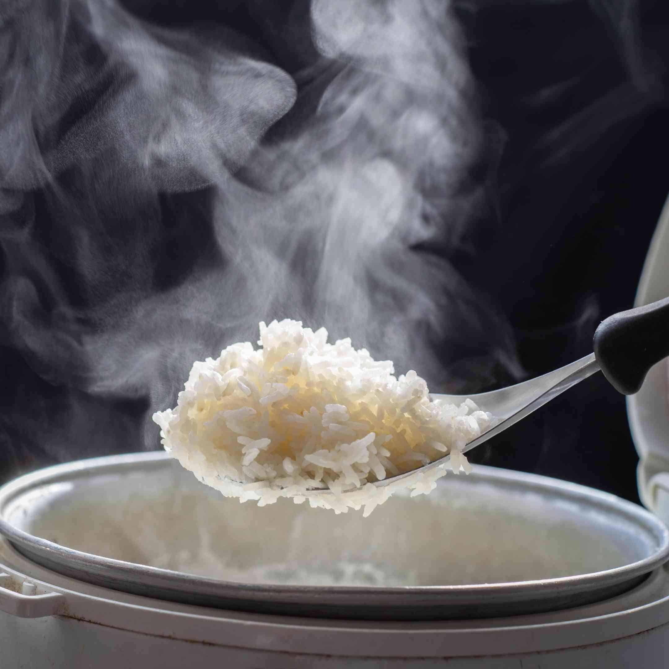 freshly boiled white rice