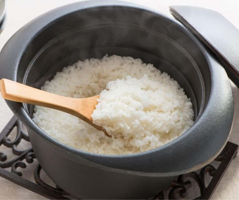 cooking instant rice on stove
